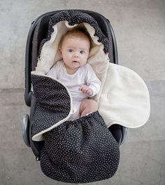 Mies & Co Baby Lifestyle Voetenzak Perfect Hearts zwart met witte hartjes