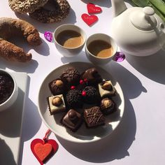 Kolači i kafa - savršen spoj za jutro po ukusu! 😊  #kolaci #beograd #slava #rodjendan #dekoracija #srbija