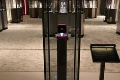 #Cartier #vibrato #sihh2015 : A display case producing vibrations invisible to the eye but serving to showcase the mobile diamonds on the Vibrato watch. >>>more>>> http://dietlin.ch/page.php?id=2820&gr=347&nv=6