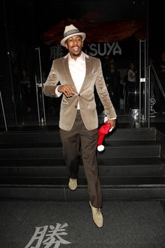 Nick Cannon Photos - Monday December Mr Mariah Carey aka Nick Cannon enjoys a night out at Katsuya. - Nick Cannon at Katsuya Sharp Dressed Man, Well Dressed Men, Gentlemen Wear, Nick Cannon, Black Actors, Mens Gear, Casual Dress Outfits, Mens Fall, Celebrity Look