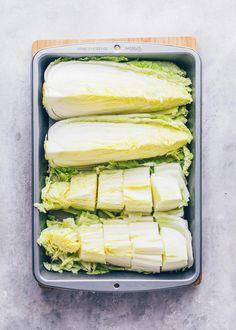 Veganes Kimchi selber machen Korean Side Dishes, Vegan Kimchi Recipe, Fermented Cabbage, Napa Cabbage, Asian Recipes, Ethnic Recipes, Vegetable Dishes, Quick Easy Meals, Superfood