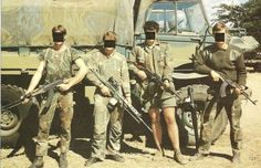 The men of the Selous Scouts, Rhodesia's small but deadly counter insurgency unit, achieved spectacular success against their ZANU and ZIPRA opponents during the second Chimurenga, or Rhodesian Bush War. Military Art, Military History, Military Weapons, Military Life, American Odyssey, Special Air Service, Special Ops, We Are The Mighty, Military Special Forces