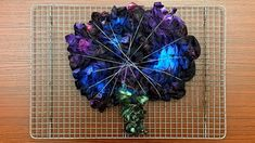 Ice Tie Dye, How To Tie Dye, How To Dye Fabric, Tye Dye, Fabric Art, Fabric Crafts, Tie Dye Patterns, Star Patterns, Tie Dye Crafts