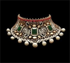 diamond, emerald and pearl collar