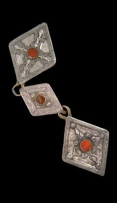 Iran - Khorasan, Mashad | Belt elements from the Turkmen Yomud people; silver and agate. // ©Quai Branly Museum. 71.1967.111.57.1-3