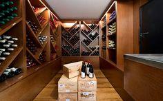 aménagement de cave avec meuble de vin moderne