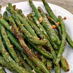 Green Beans are not the most popular side dish in the Thanksgiving dinner but they sure do balance it all. Here is a collection of great different green bean re