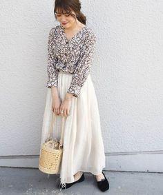 大人女子が使うなら「小花柄」今の季節にぴったりなコーデをチェック♪   folk Dresses With Sleeves, Elegant, Long Sleeve, Cute, Women, Style, Fashion, Classy, Swag