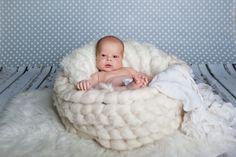 Dnes vyšel nový měsíční článek v našem Blogu,ve kterém se řeší příchod miminka. Zpráva o těhotenství bývá bezesporu jednou z nejradostnějších zpráv v životě vůbec. 👪🦊 - více najdete v článku na našem eshopu.  Kulišák.cz - značka dětem Merino Wool Blanket, Bassinet, Instagram, Crib, Baby Crib, Infant Bed