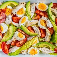 A QUICK Lunch Idea with the perfect nutritional profile for Clean Eating Fitness! Makes 3-4 servings Ingredients: 1 lb. cooked chicken breast, shredded OR 1 lb. grilled chicken breast, sliced 3-4 hard-boiled eggs, quartered 1 avocado... #cleaneatingsaladrecipes #cleanfoodstoeat #naturaleating