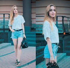 Oasap T Shirt, Style Moi Necklace, Levi's® Shorts, Clarks Sandals, Style Moi Flash Tatoo.
