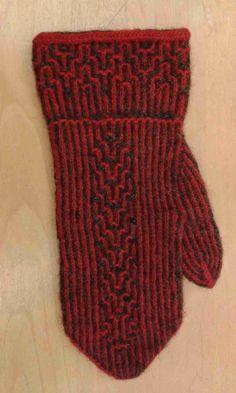 HV-skolan Stickresan Tvåändsstickning Karin Kahnlund Knit Mittens, Hobbies And Crafts, Beret, Knitting Yarn, Knitting Projects, Twine, Fingerless Gloves, Arm Warmers, Knit Crochet