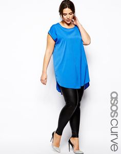 """ASOS CURVE Leather Look Legging. Made from an easy-care stretch jersey. Leather-look finish. Flattering high rise. Close cut bodycon fit. Machine wash. 95% Polyester, 5% Elastane. Our model wears a UK 18/EU 46/US 14 and is 178cm/5'10"""" tall. €24.89"""