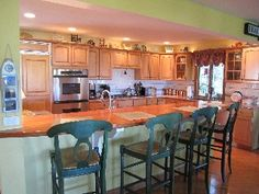 Charming, Spacious Townhouse - Pool & Great View of Saugatuck Harbor