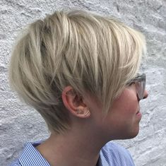 Layered Ash Blonde Pixie Bob You are in the right place about long pixie hairstyles edgy Here we off Thick Hair Pixie, Long Pixie Cuts, Short Hair Cuts, Long Pixie Bob, Shaggy Bob, Pixie For Curly Hair, Short Short Hair, Blonde Short Hair Pixie, Blonde Bob