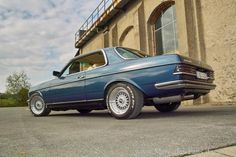 Full retro: Mercedes 82 Coupe in the sports look of his time - Classic - Mercedes fans - The magazine for Mercedes-Benz enthusiasts Custom Mercedes, Mercedes 500, Mercedes Benz Maybach, Daimler Benz, Bentley Mulsanne, Classic Mercedes, Best Classic Cars, Mazda Miata, Mini Trucks