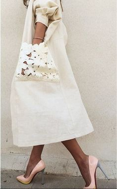2017 fur collar plus size women winter hooded coat female outerwear parka ladies warm long jacket slim jaqueta femininaOuterwear Fashion Details, Look Fashion, Diy Fashion, Womens Fashion, Fashion Design, Fashion Trends, Fashion 2018, Mode Abaya, Mode Hijab