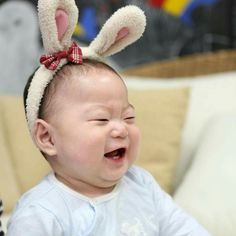 Kwon Yul, Korean Tv Shows, Man Se, Kids Kiss, Superman Baby, Song Daehan, Song Triplets, Asian Kids, Cute Faces