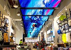 Top 4 Benefits of Digital Signage at Retail Stores