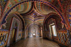 Cuarto del pavo real en el castillo Sammezzano, Italia