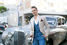 It's not hard to look good next to the 1959 Jaguar Mk.9 . Book online at www.classic-rides.co.za 🕺 . #car #vintage #capetown #stellenbosch #luxury #franschoek #paarl #southafrica #style #classic #classiccars #bentley #rollsroyce #jaguar #wedding #weddingcar #matricdance #matricball #mustang #musclecar #followforfollowback #follow4followback #chevrolet #mercedes #lifestyle #buick #kombi #tour #travel #bucketlist Wedding Car, Rolls Royce, Buick, Jaguar, Muscle Cars, Mustang, Chevrolet, Classic Cars, That Look