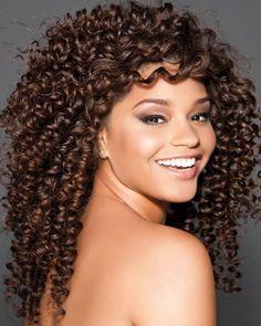 Cortes de cabelo: 250 fotos, os cortes das famosas e tendências Ombré Hair, Curly Hair Tips, Curly Hair Care, Curly Girl, Curly Hair Styles, Natural Hair Styles, Natural Curls, Short Permed Hair, Permed Hairstyles