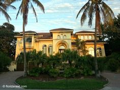 One of the many beautifulmansionsalong the scenic Florida State Road A1A in Highland Beach, Florida.