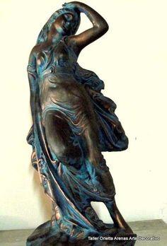 Diosa del Viento en Ziña Greek Statue, Lion Sculpture, Statue, Decoupage, Art, Angel, Gothic Angel, Buddha