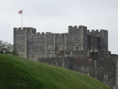 Castle Hunting in England: Exploring Dover Castle in Ken, a great place for a day out for families close to London!
