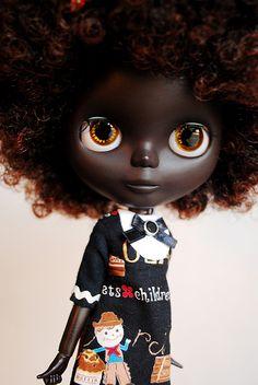http://www.blythe-doll-fashions.com/wp-content/uploads/2012/11/Castaneda.jpg