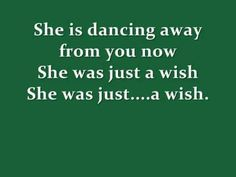 Beautiful studio version of Fleetwood Mac/Stevie Nicks- Gypsy. With on screen lyrics so that you can sing along like karaoke. Like and enjoy. :-)