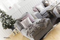 julepynt stue rustikk pels tre skotskrutete puter håndlagede KL5A5998