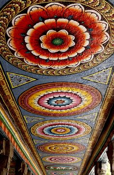 Painted corridor ceiling, Meenakshi-Sundareshwarar Temple, Madurai, Tamil Nadu, India | ©Michael Stephens
