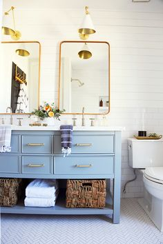 Powder blue vanity bathroom spaces ванная, интерьер и дом. Vintage Bathroom Decor, Vintage Bathrooms, Goth Vintage, French Vintage, Blue Vanity, Wc Sitz, Upstairs Bathrooms, Small Bathrooms, Better Bathrooms