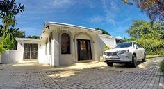Four-bedroom villa with private pool by MiamiTCS - #Villas - CHF 158 - #Hotels #VereinigteStaatenVonAmerika #SunnyIslesBeach http://www.justigo.li/hotels/united-states-of-america/sunny-isles-beach/four-bedroom-villa-with-private-pool-by-miamitcs_96396.html