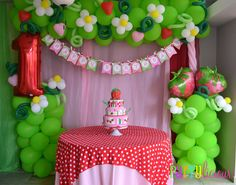 Hey there! This next party is a trip down memory lane for this mom who wanted to share her love for Strawberry Shortcake with her birthday. Strawberry Shortcake Birthday, Vintage Strawberry Shortcake, Anniversaire Hello Kitty, Balloons And More, 3rd Birthday Parties, Birthday Ideas, Birthday Fun, Balloon Decorations, Balloon Banner