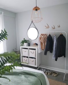 [New] The Best Home Decor (with Pictures) These are the 10 best home decor today. According to home decor experts, the 10 all-time best home decor. Tiny Bedroom Design, Small Room Design, Home Room Design, Interior Design Studio, Study Room Decor, Room Ideas Bedroom, Small Room Bedroom, Bedroom Decor, Indie Room Decor