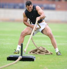 Pierre Spies Photos - Pierre Spies of the Vodacom Bulls takes part in a training session at Loftus Versfeld on November 2011 in Pretoria, South Africa. Pierre Spies, Northampton Saints, Beefy Men, All Blacks, Rugby Players, Raining Men, Sport Photography, Sport Man, Beast Mode