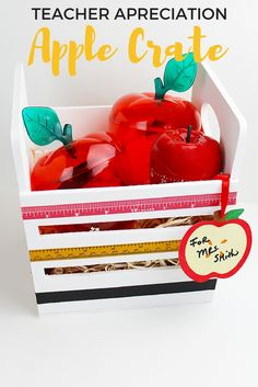 Welcome teachers back to school with a DIY teacher appreciation apple crate from This is a super easy and thoughtful project, perfect for kids adults to make together! Teacher Appreciation Week, Teacher Gifts, Apple Crates, Classroom Inspiration, Classroom Ideas, Diy Wedding Projects, Gifts For Boss, School Parties, Craft Party