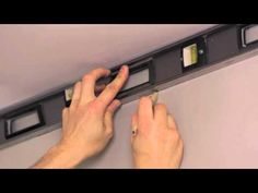 RONA - Comment installer des moulures - corniches - YouTube
