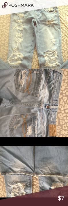 Abercrombie & Fitch 0 Destroyed Jeans Brand: Abercrombie & Fitch Size: 0 Condition: Good. No marks and minimal distress at bottom. Fits large I think. I am size 00 and these are way too big Abercrombie & Fitch Jeans Flare & Wide Leg