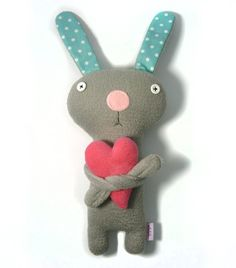Bunny+with+Heart+stuffed+plush+animal+by+alelale+on+Etsy