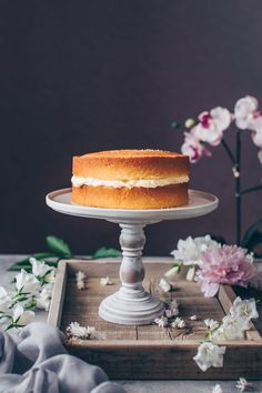 This is the best Vegan Vanilla Cake recipe! It's a fluffy, soft and moist vanilla layer cake with simple buttercream frosting. Easy to make and delicious! Vegan Vanilla Cake, Vegan Cake, Aquafaba, Homemade Buttercream Frosting, Strawberry Cream Cakes, Buckwheat Cake, Vegan Wedding Cake, Vegan Cream Cheese, Classic Cake
