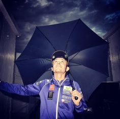 Terzo ed ultimo giorno di test cancellato causa pioggia! Countdown ufficialmente iniziato -10 #QatarRace #ForzaVale46