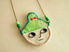 broderie collier / embroidered necklace