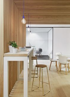 Any employer who says standing desks are not an option... Show them Case Meallin Offices by Mim Design