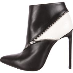 Pre-owned Saint Laurent Ankle Booties ($375) ❤ liked on Polyvore featuring shoes, boots, ankle booties, black, zipper boots, leather ankle booties, black boots, zipper booties and genuine leather boots