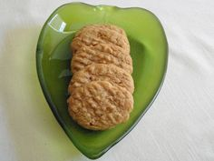 Diabetic Peanut Butter Cookies For my diabetic friends and family.Diabetic Peanut Butter Cookies from : This is a Paula Deen recipe and the day she made them on TV I did also. I think they are wonderful. Diabetic Cookies, Diabetic Recipes, Healthy Recipes, Diabetic Foods, Cookies For Diabetics, Diabetic Sweets, Diabetic Oatmeal, Diabetic Cake, Keto Oatmeal