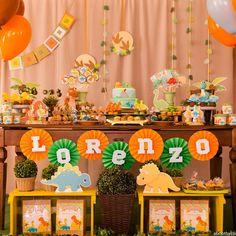 Fotos oficiais da Mesa Baby Dino do Lolo !! Fiquei encantada com a qualidade dos clicks @david.aboothy 😍😍😍 #festadino #festadinossauro…