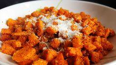 Süßkartoffeln mit Kokos und Curry. Eine exotische Sättigungsbeilage nach Paleo Art. Super zu Fisch oder zum Vorbereiten für unterwegs.